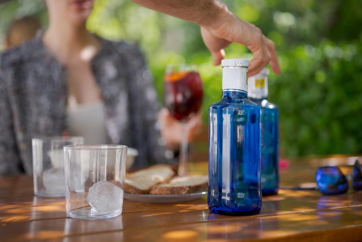 Normativa agua del grifo en restaurantes: por qué se ofrece agua en botella